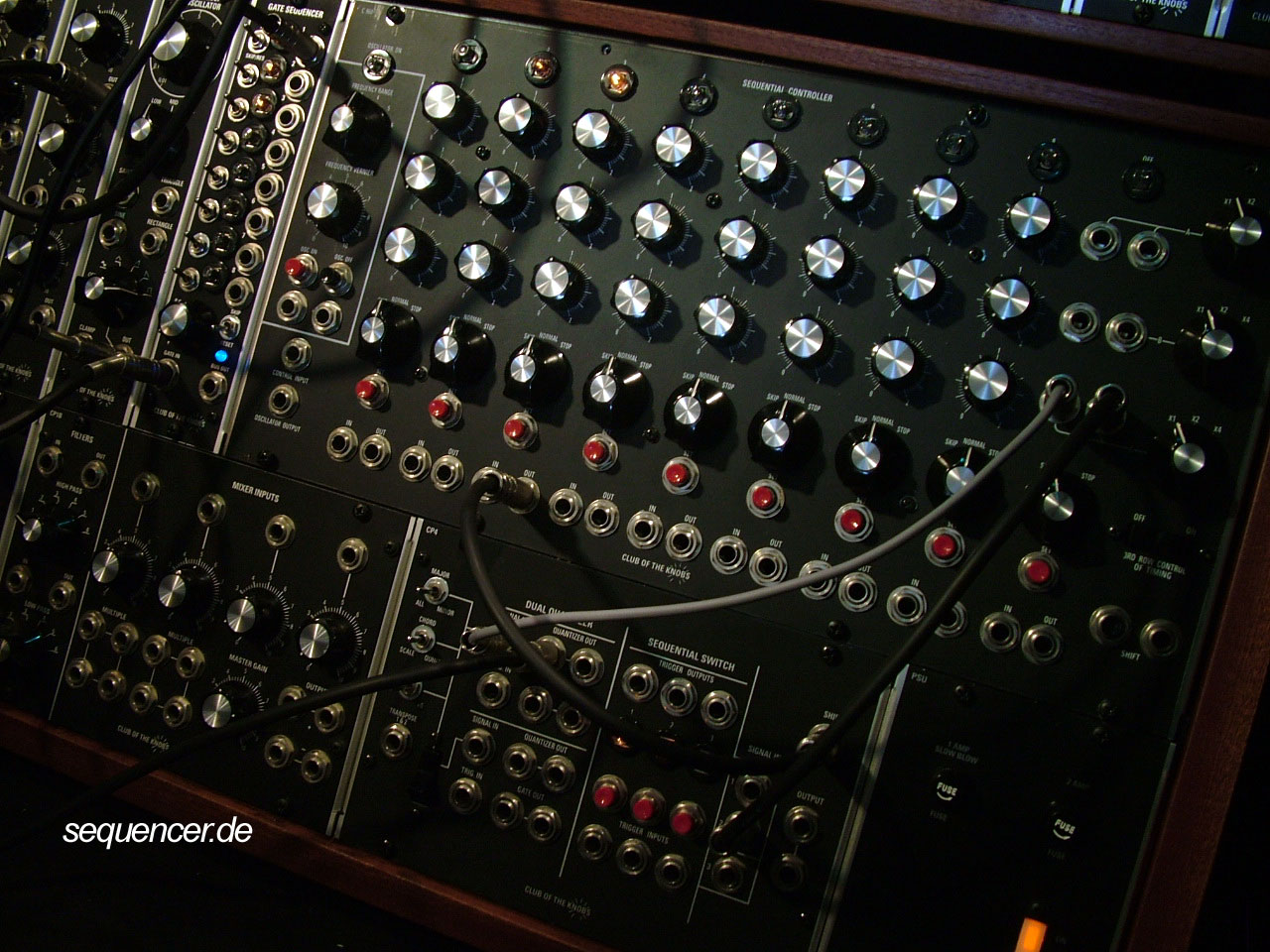 club of the knobs modular modular synthesizer analog step sequencer. Black Bedroom Furniture Sets. Home Design Ideas