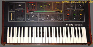 Moog Opus3 synthesizer