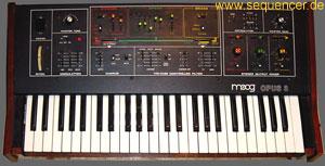 Moog Opus3 synthesizer