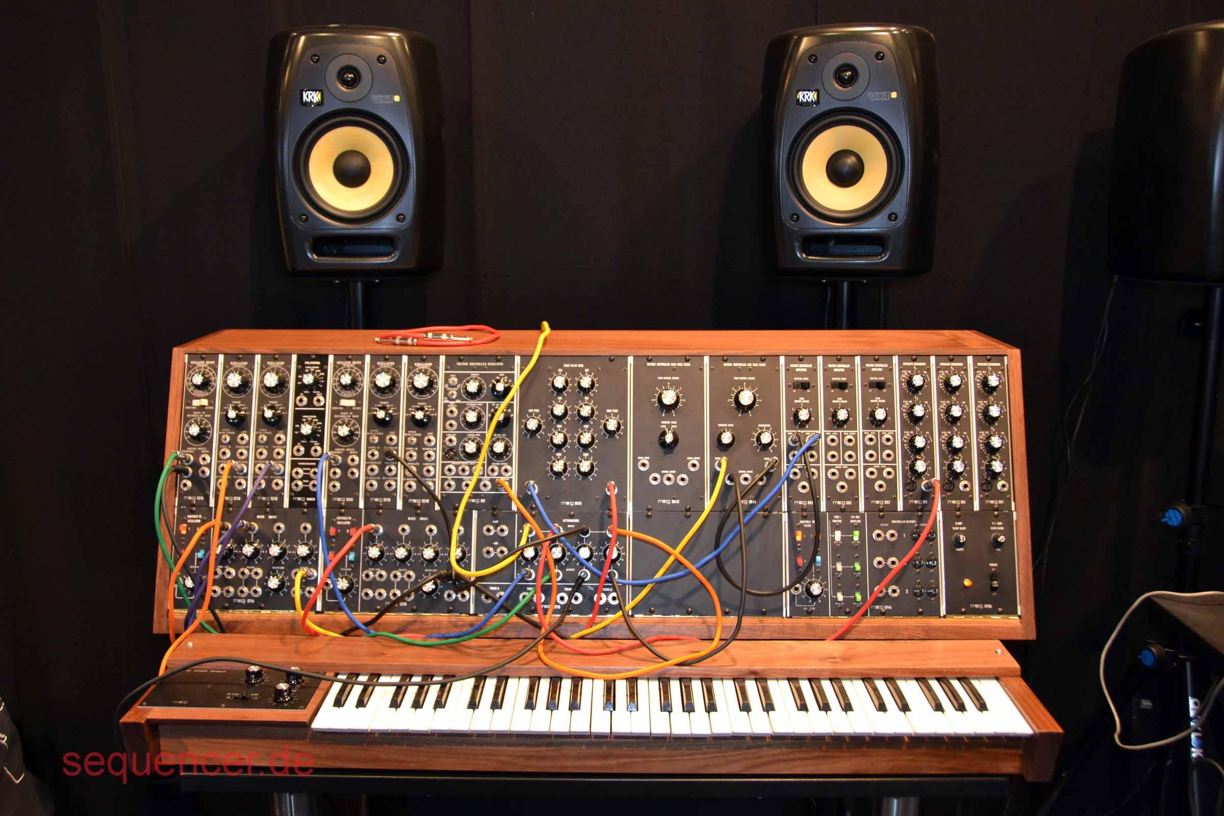 Moog System 35 - re-release 2014/15 Moog System 35 - re-release 2014/15 Modular synthesizer