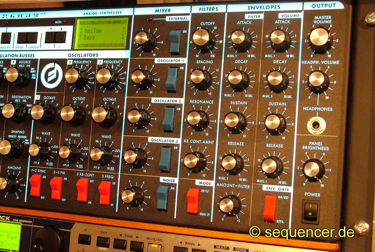 Minimoog Voyager Panel Moog Minimoog Voyager synthesizer