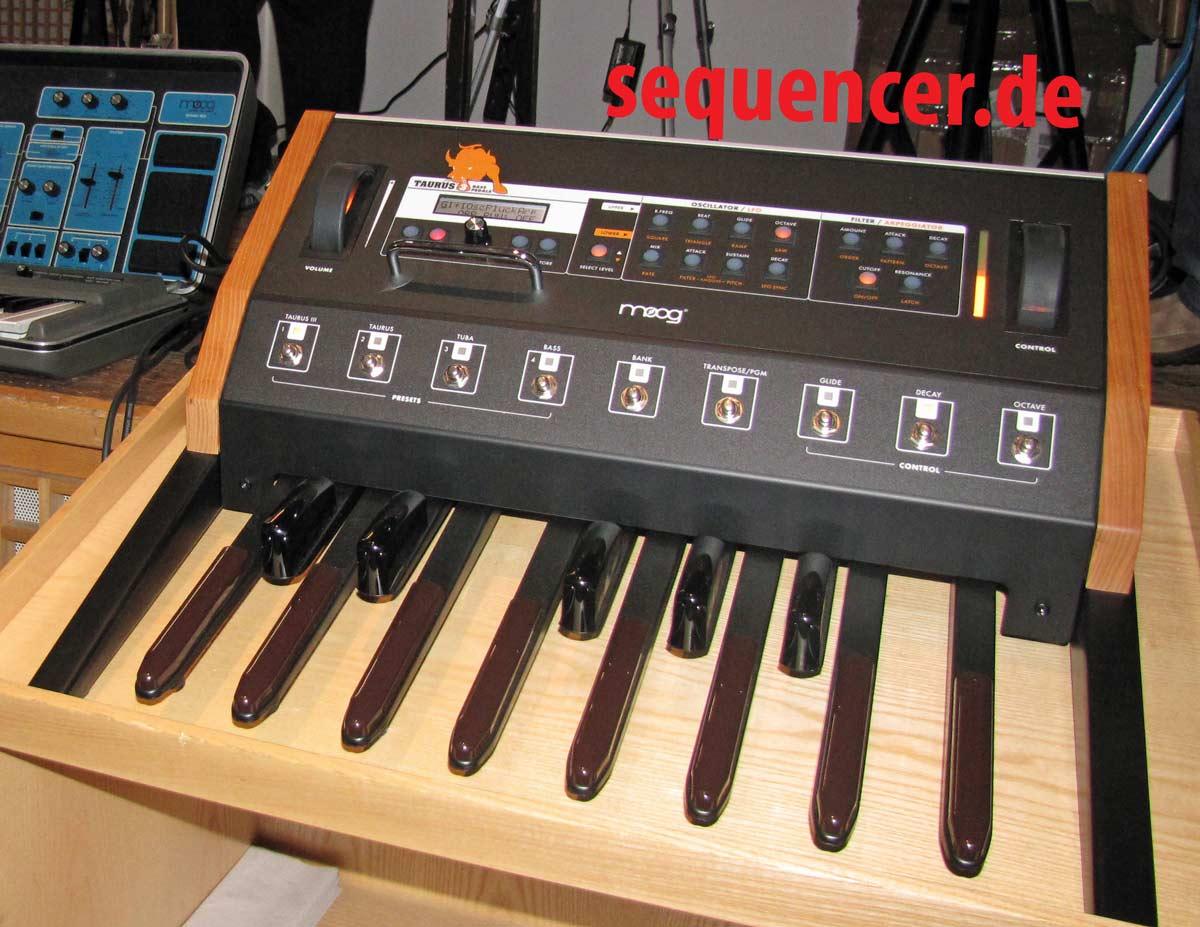 Moog Taurus3, TaurusIII synthesizer