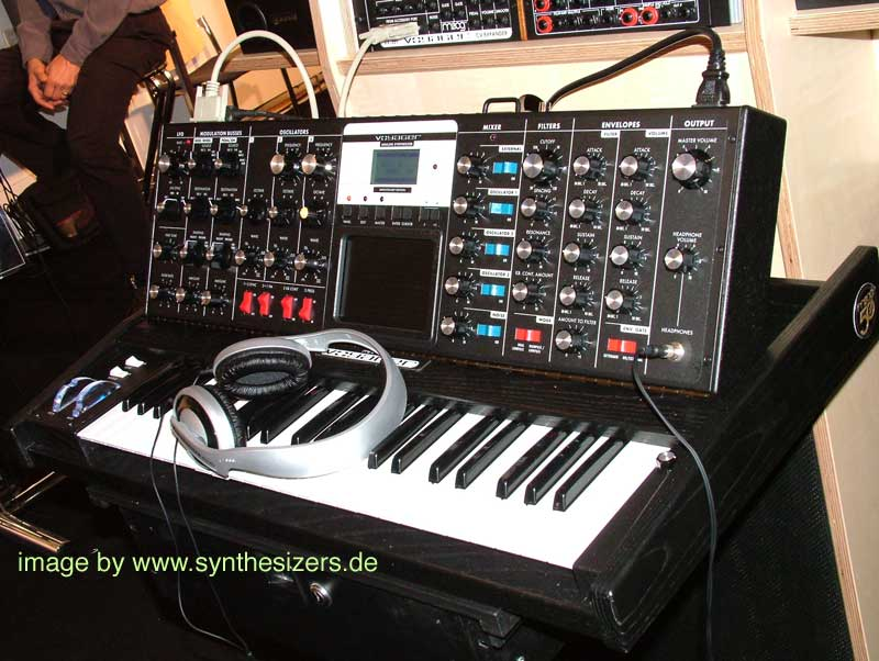 Moog MinimoogVoyager RME synthesizer
