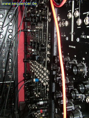 moog modular modular synthesizer analog step sequencer. Black Bedroom Furniture Sets. Home Design Ideas