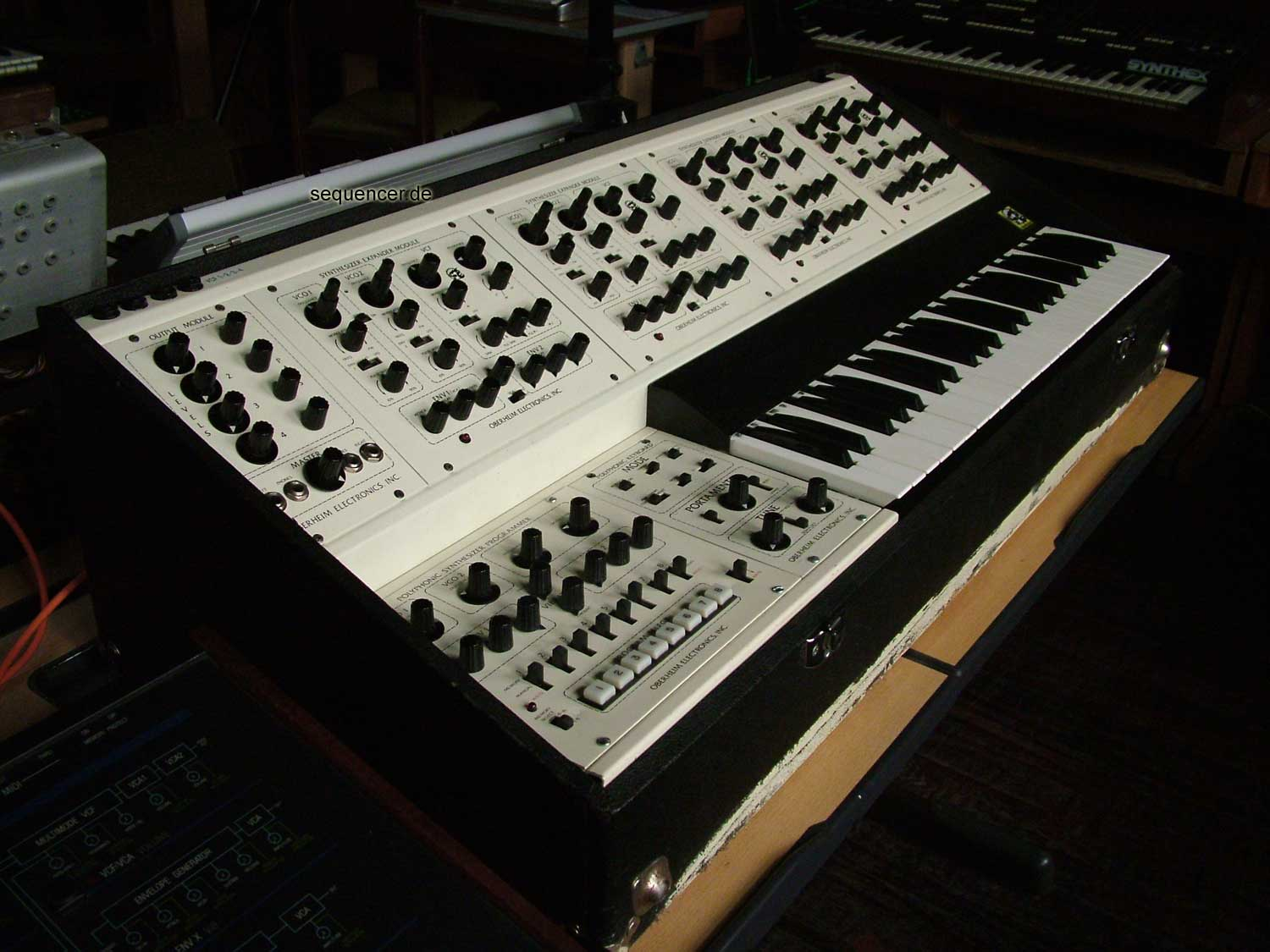 Oberheim Four Voice , 4Voice synthesizer