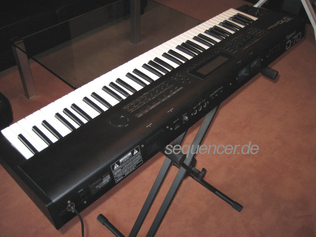 D-70 Roland D-70 synthesizer