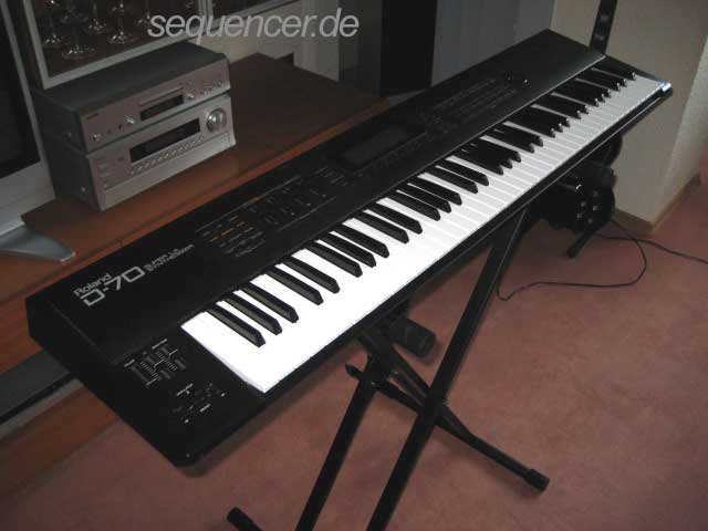 Roland D70 synthesizer