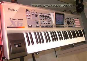 Roland Fantom X6 Roland Fantom X6 synthesizer