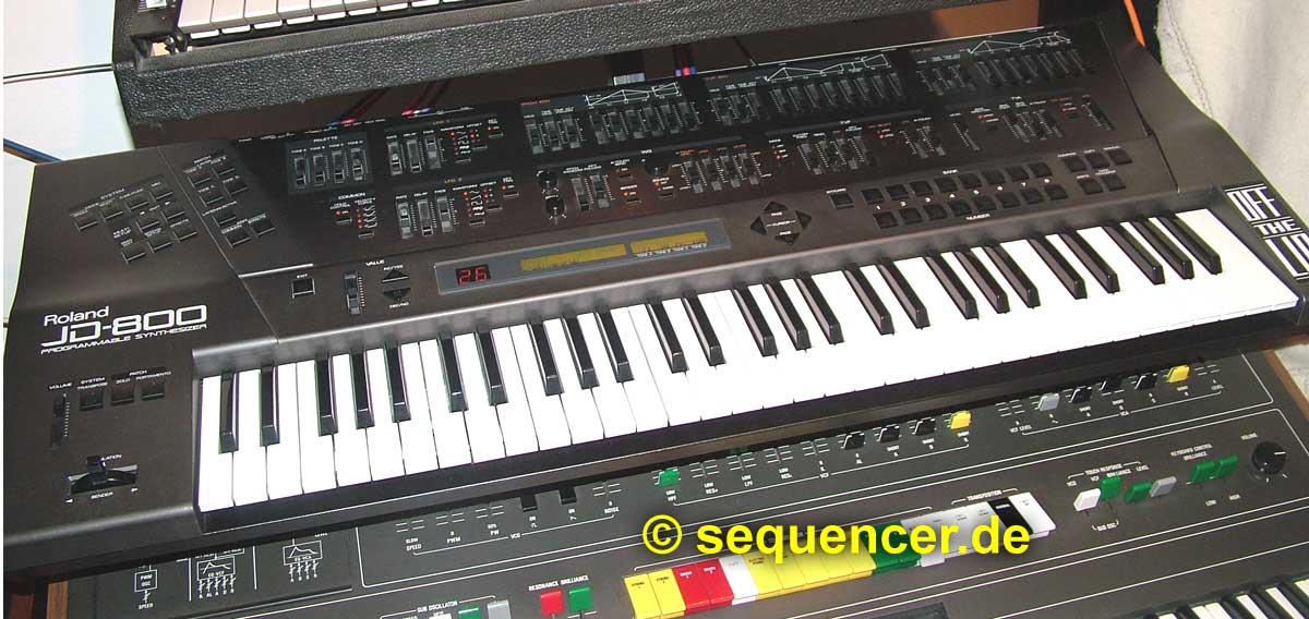 Roland JD-800 Roland JD-800 synthesizer