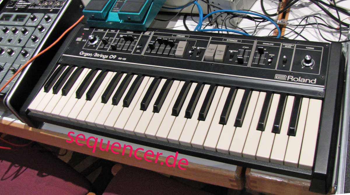 Roland Organ , Strings , RS09 synthesizer