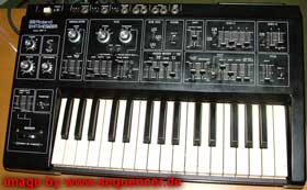 roland sh1 synthesizer