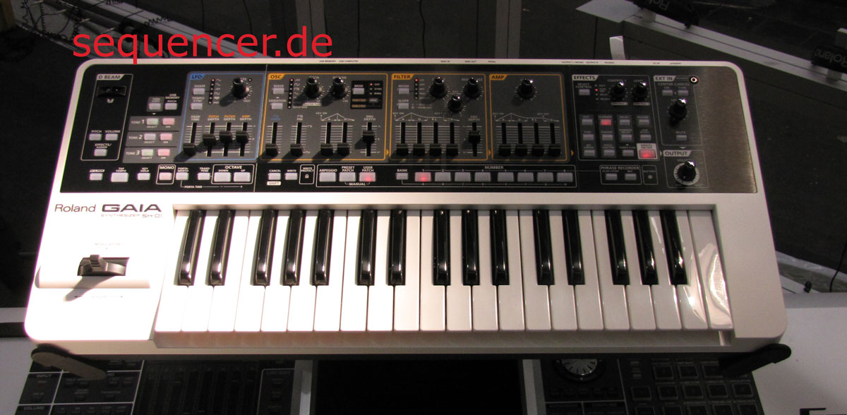 Roland Gaia , SH01 synthesizer
