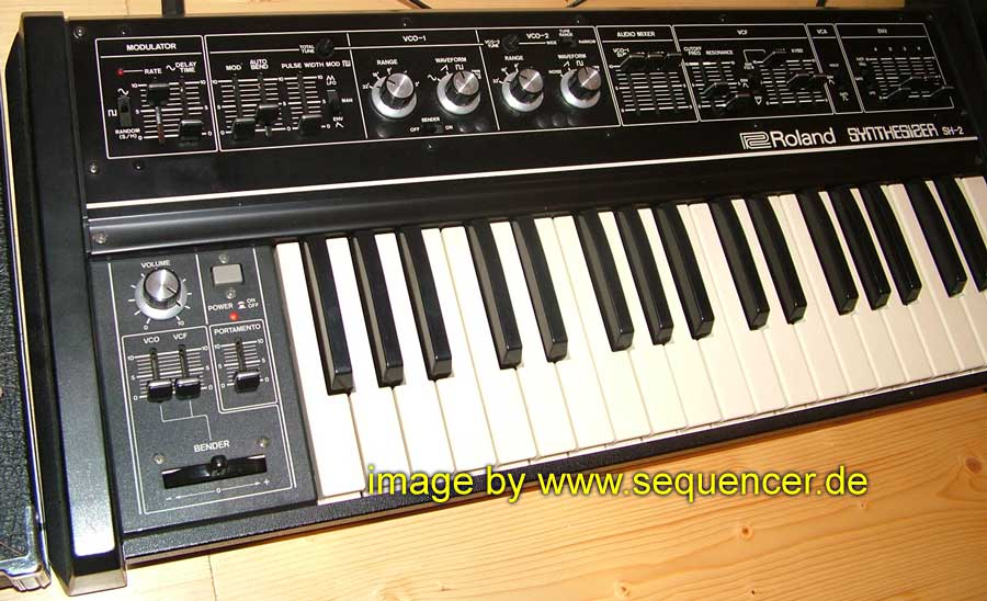 Roland SH2 synthesizer