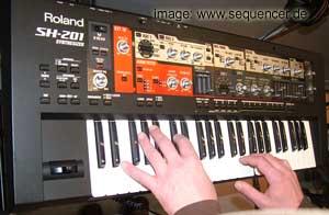 Roland SH-201 Roland SH-201 synthesizer