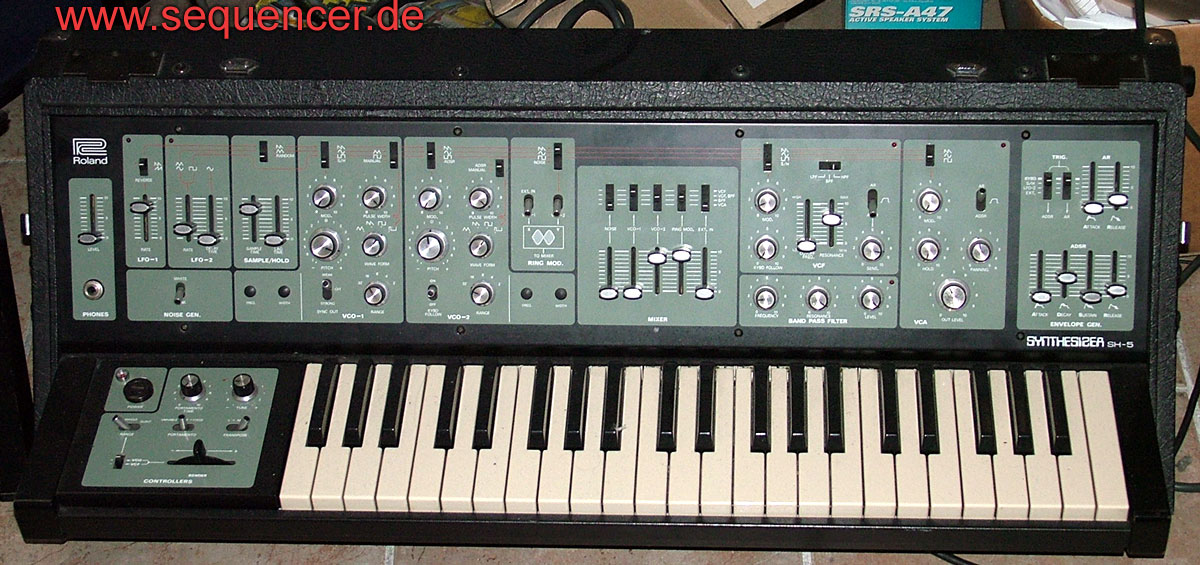 roland sh5 analog synthesizer