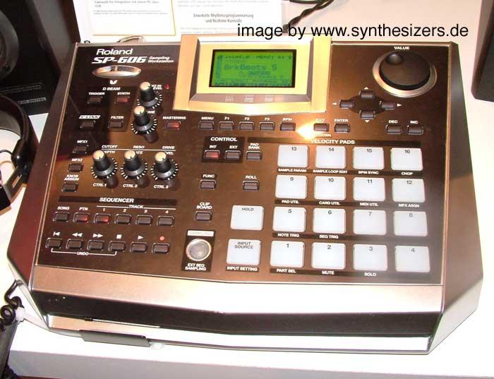 Roland SP505, SP606 synthesizer