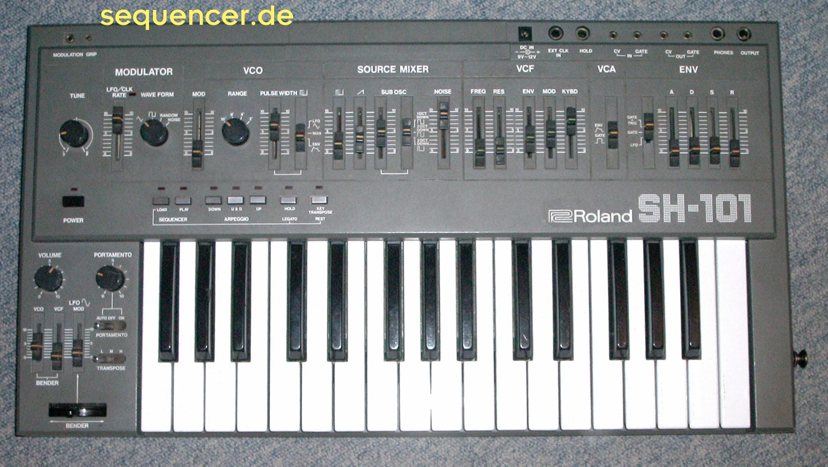 Roland SH-101 Sh-101 synthesizer