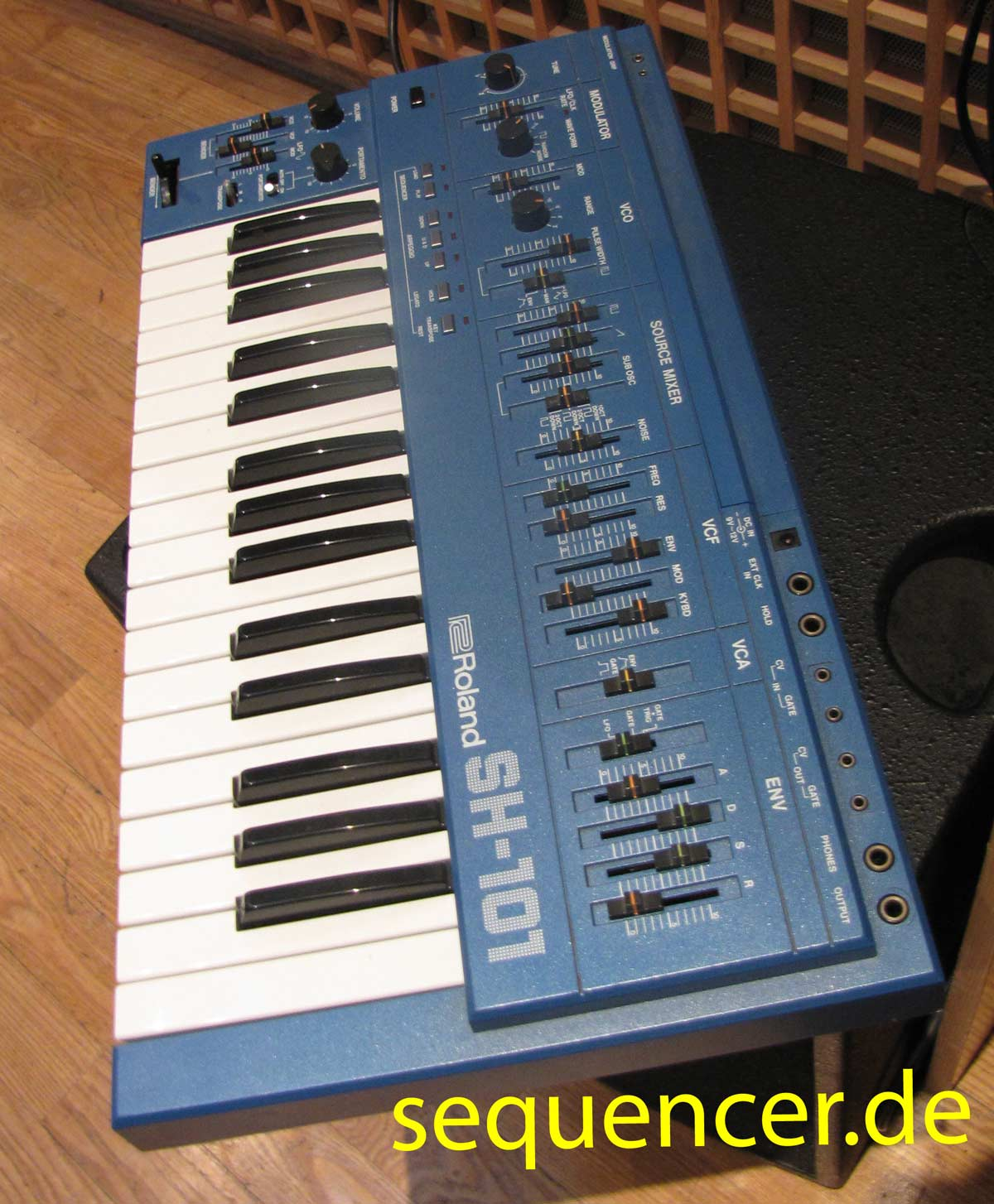 SH-101 Blau SH101 Blue synthesizer