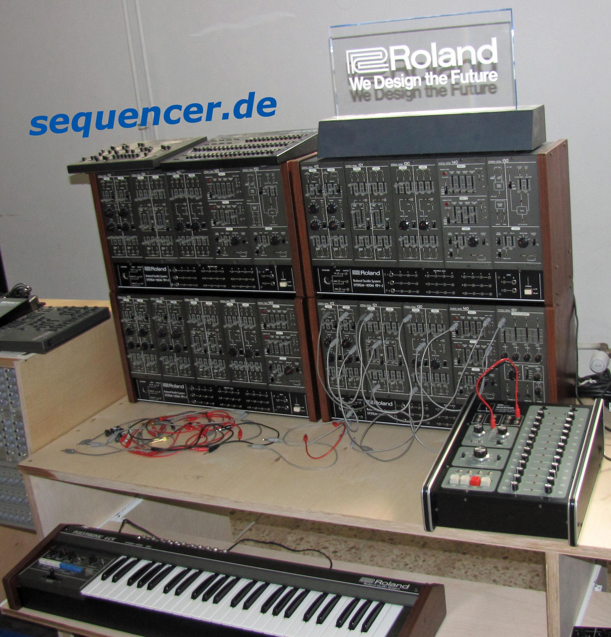 roland system 100m modular synthesizer analog step sequencer. Black Bedroom Furniture Sets. Home Design Ideas