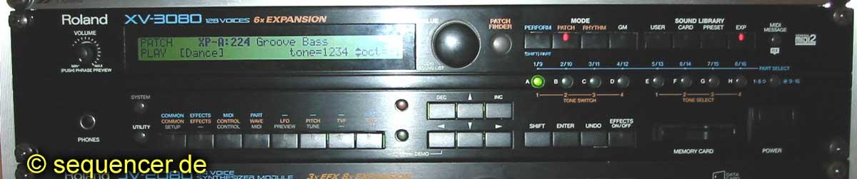 Roland XV3080 synthesizer