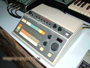 Roland CR8000 synthesizer