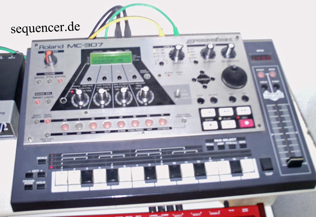Roland MC307