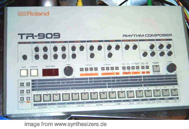 Roland TR909 synthesizer