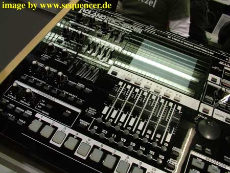 roland mc909 black