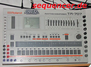 TR707 TR-707 synthesizer