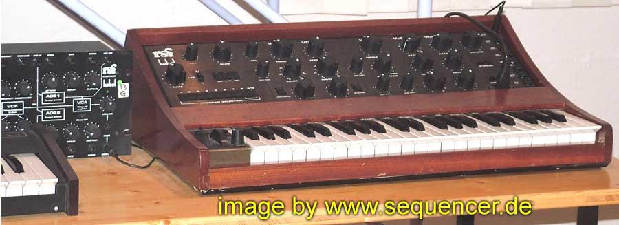 RSF Kobol Keyboard synthesizer