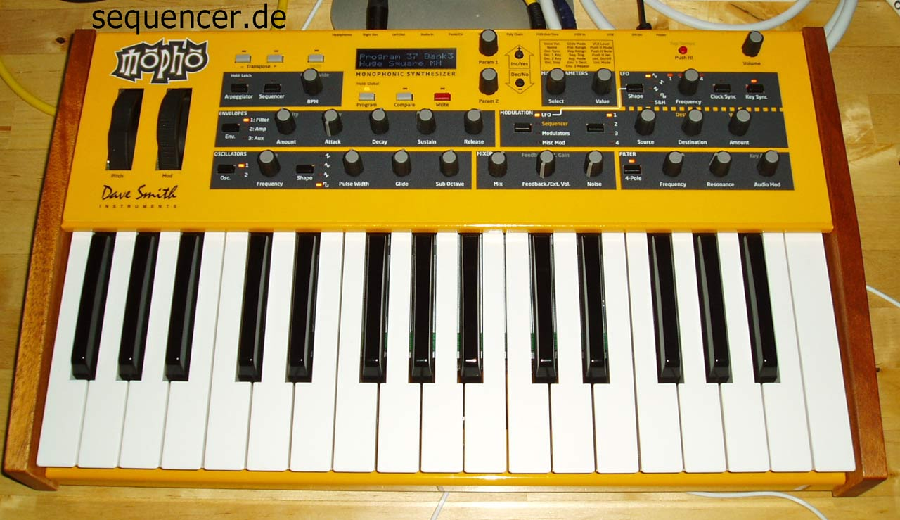 Dave Smith MophoKeyboard, MophoKB synthesizer