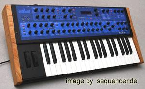 Dave Smith MonoEvolverKeyboard, MEK synthesizer