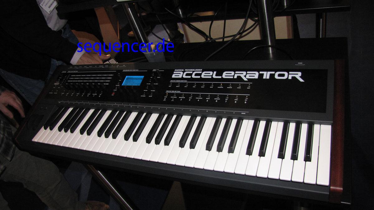 Radikal Accelerator synthesizer