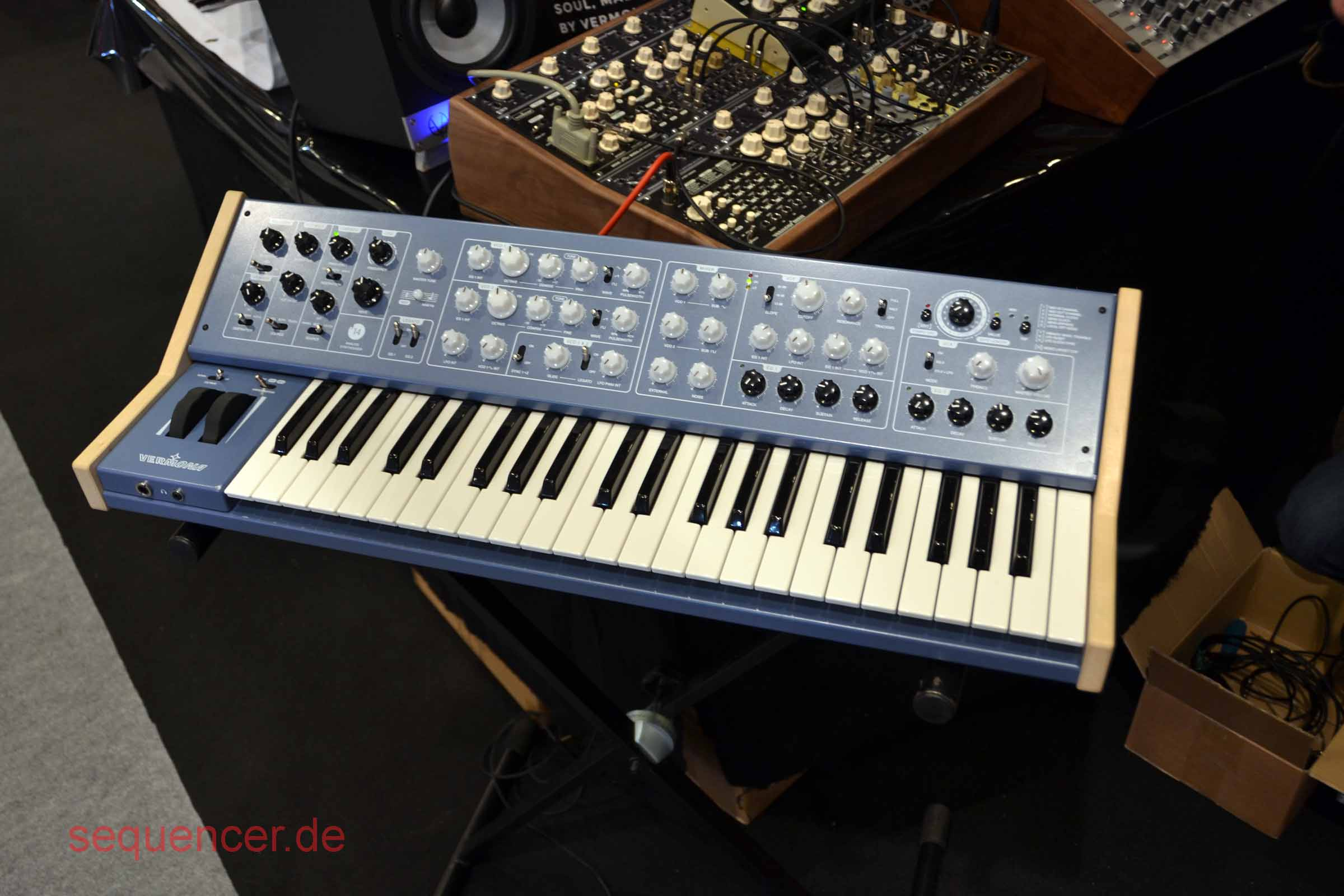 Vermona 14 synthesizer
