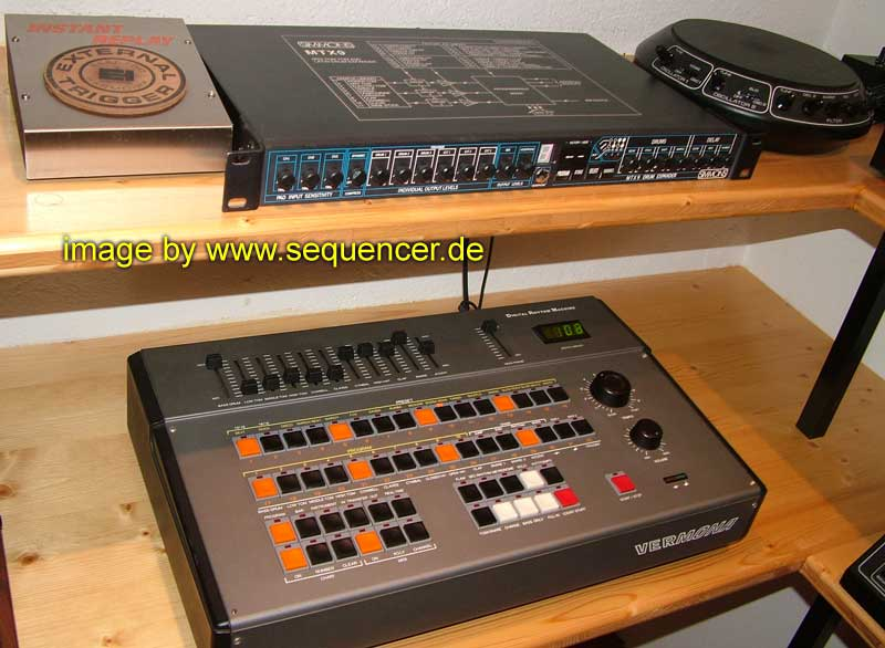 Simmons MTX9 synthesizer