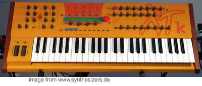 Waldorf MicrowaveXTk, MicrowaveXT synthesizer