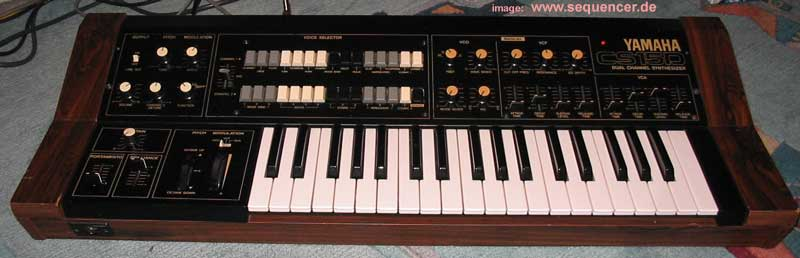 Yamaha CS15D synthesizer