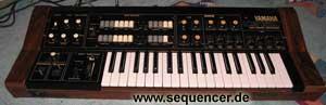 Yamaha CS15D synthesizer