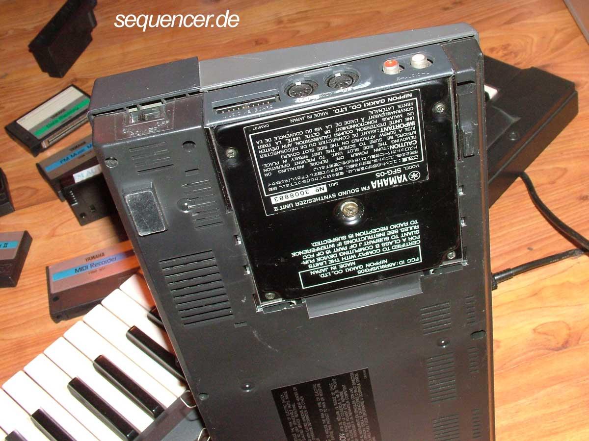 CX5M FM Synthesizer CX5M FM-Synthesizer synthesizer