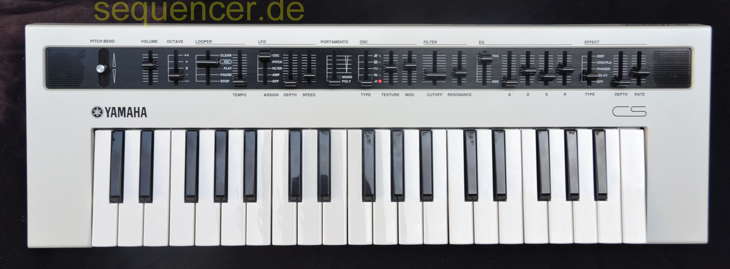 yamaha reface cs digital synthesizer simple sequencer