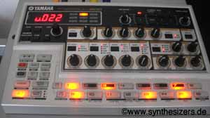 Yamaha AN200 synthesizer