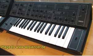 Yamaha CS10 synthesizer