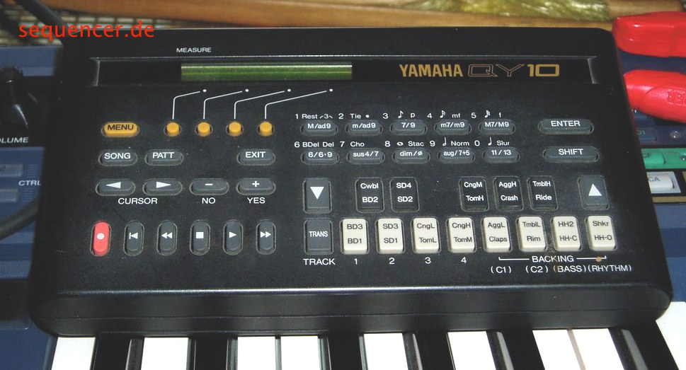 QY10 QY-10 Pocket Synth Workstation synthesizer