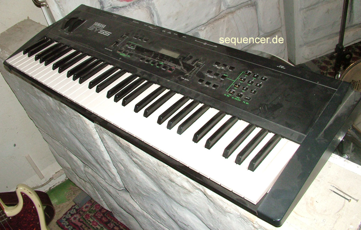 Yamaha SY55 Digital Synthesizer
