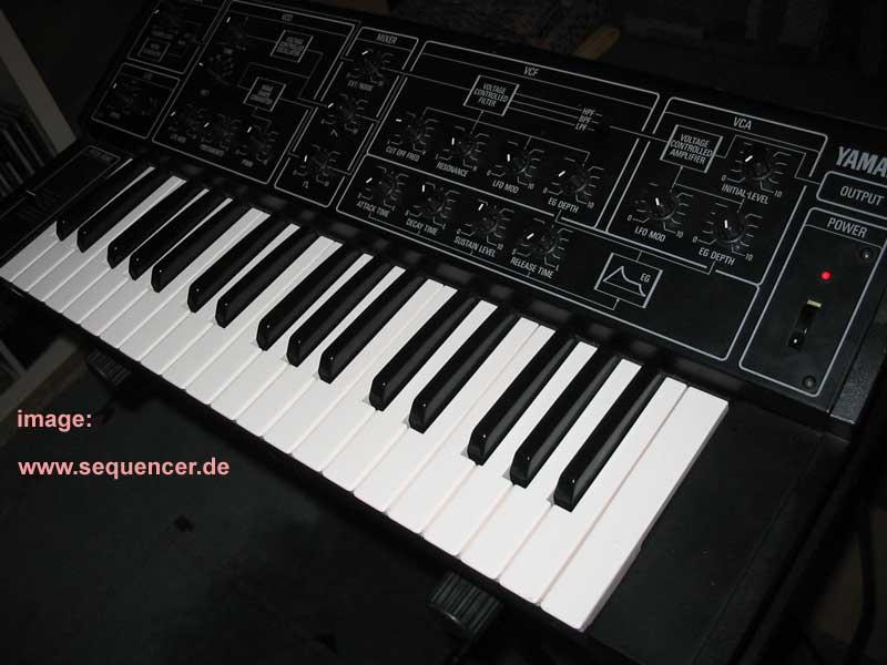 Yamaha CS5 synthesizer