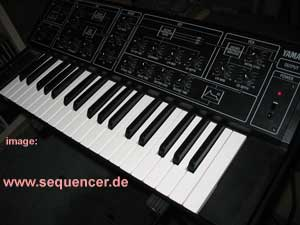 Yamaha CS5 synthesizer