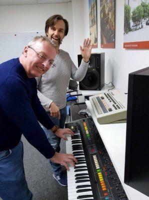 behringer-8-synthesizer.jpg