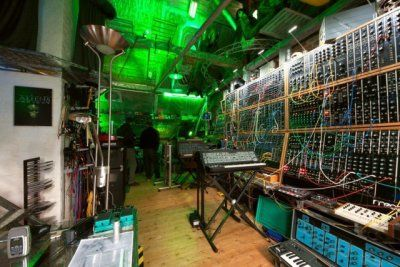 synth-studio-coolest-ever-640x426.jpg