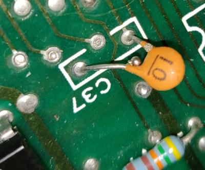 polysix_ceramic_capacitor_leak.PNG