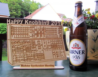 Happy Knobbing Aufsteller.jpg
